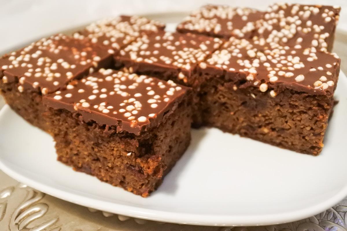 Schoko-Möhren-Kuchen, vegan und ohne industriellen Zucker